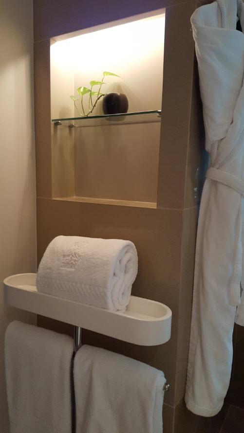 Peignoirs, serviettes et decoration