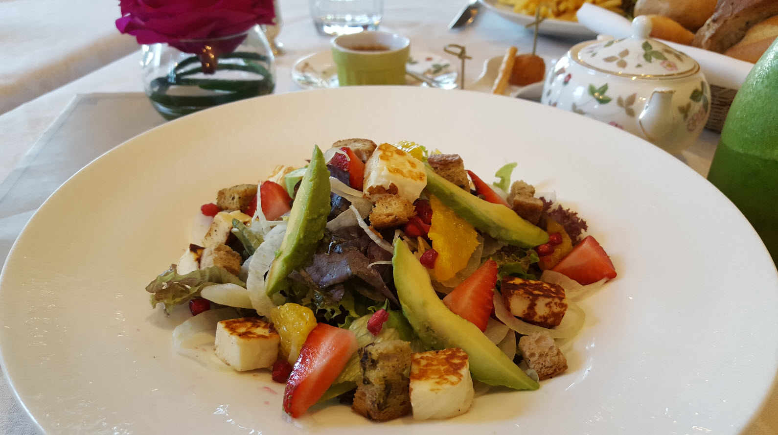 Salade halloumi et fraises
