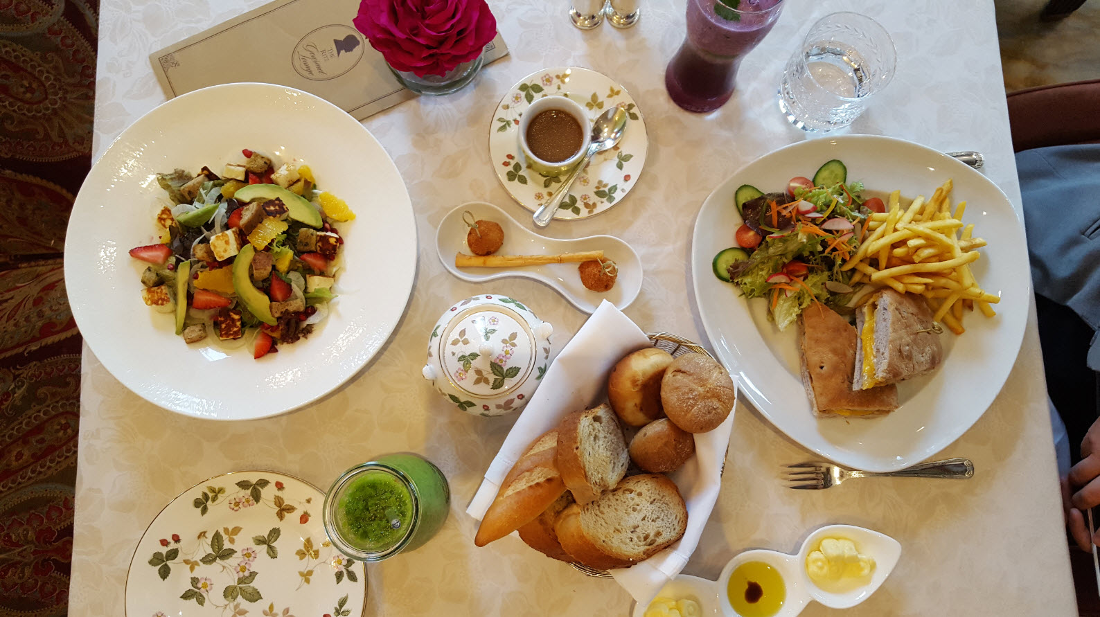 Dejeuner Ritz Gourmet Lounge Bahrain