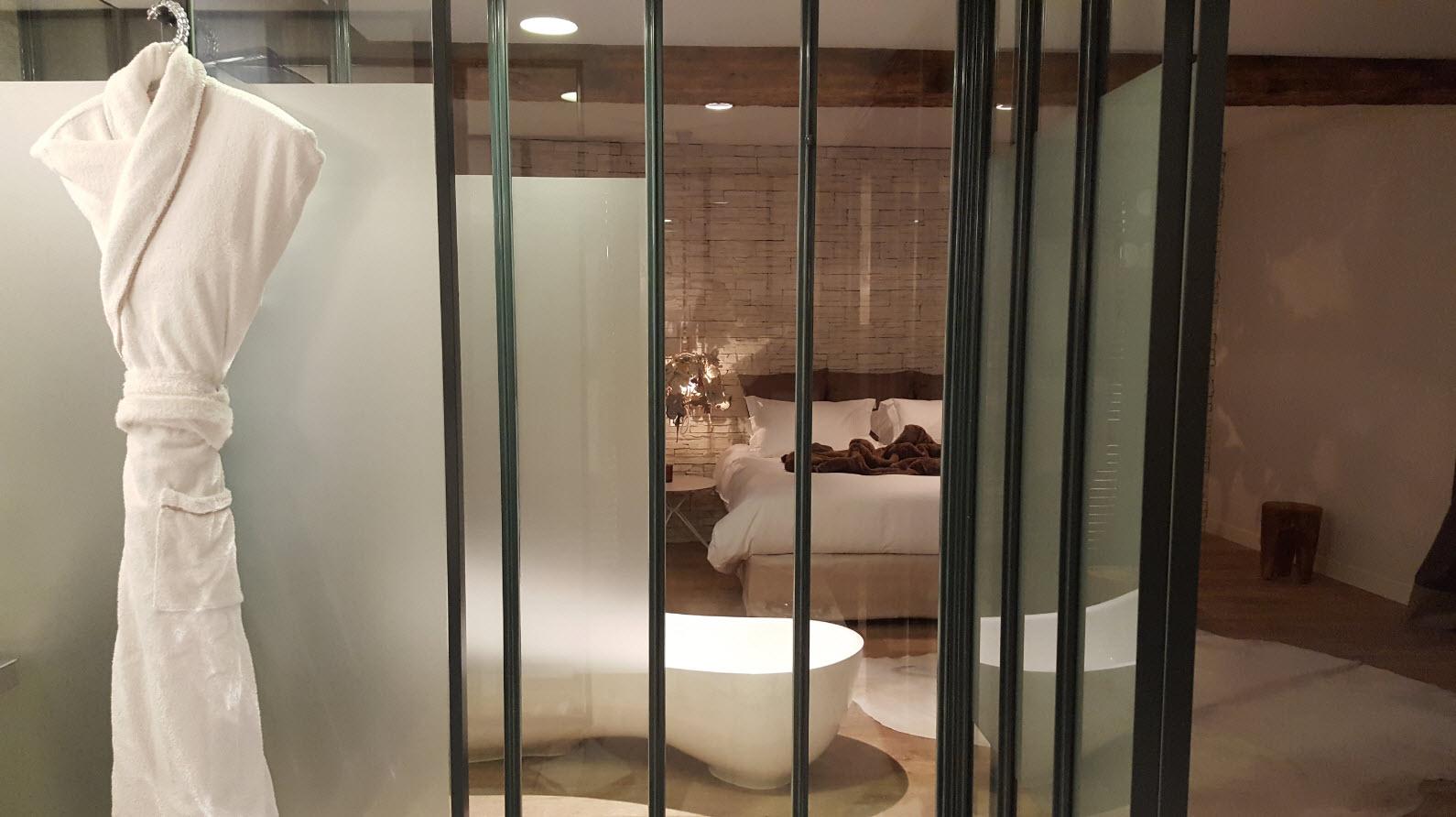 Salle de bains transparente