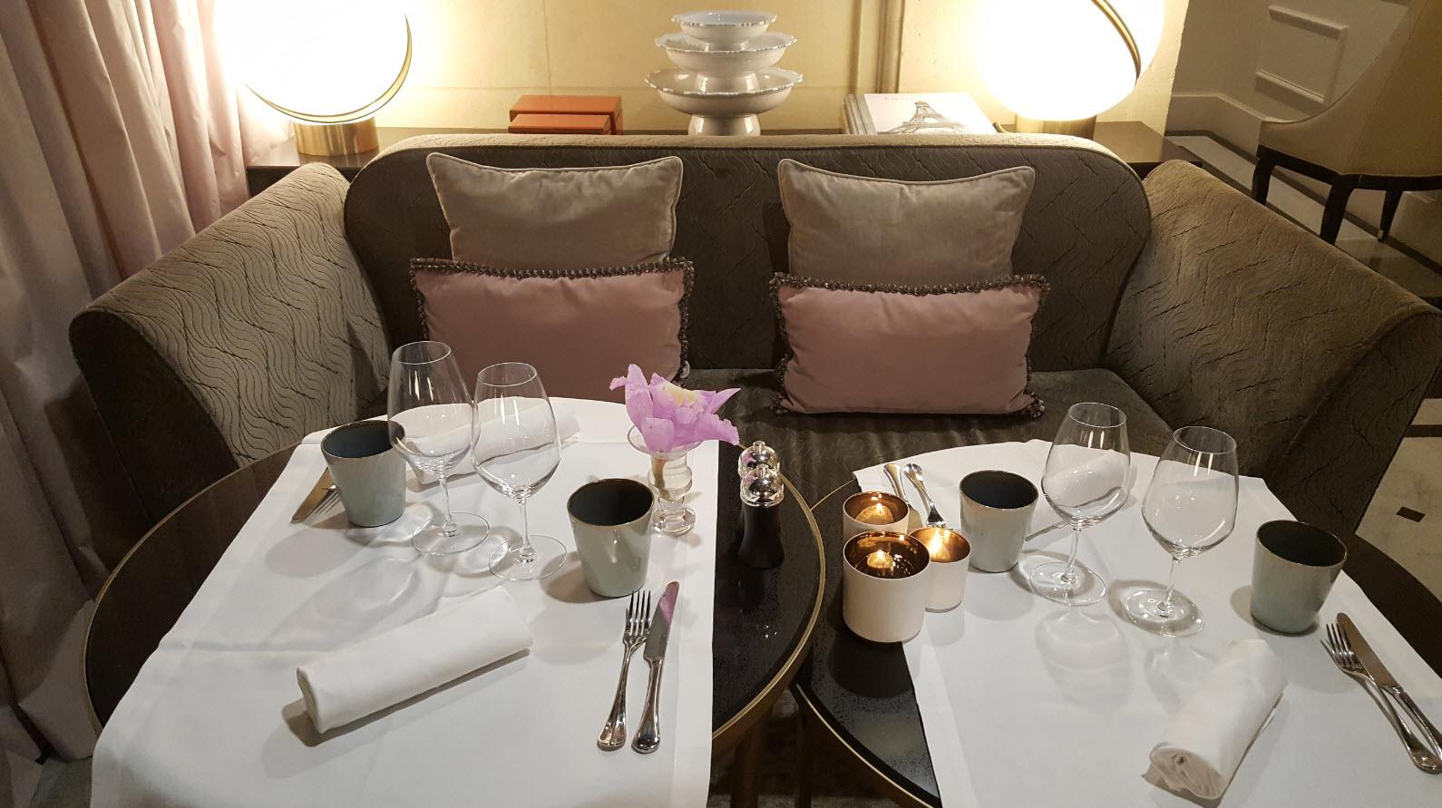 Diner dans cadre elegant et romantique