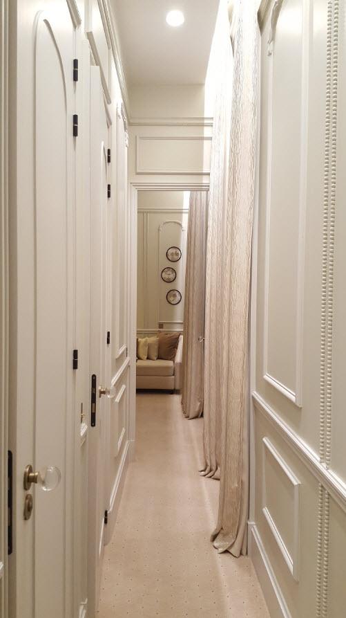 Coin salon au fond du couloir