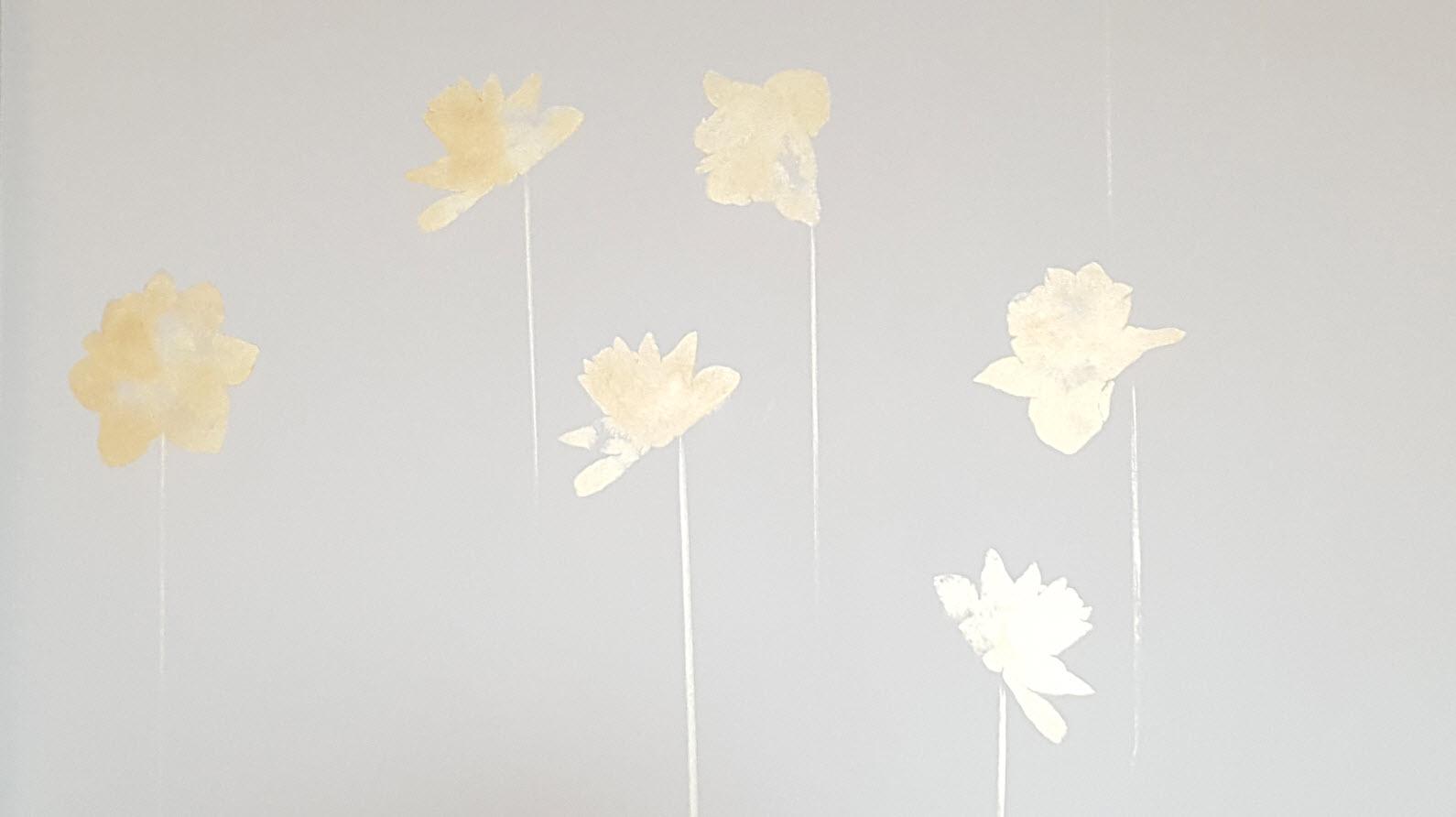 Narcisses au mur