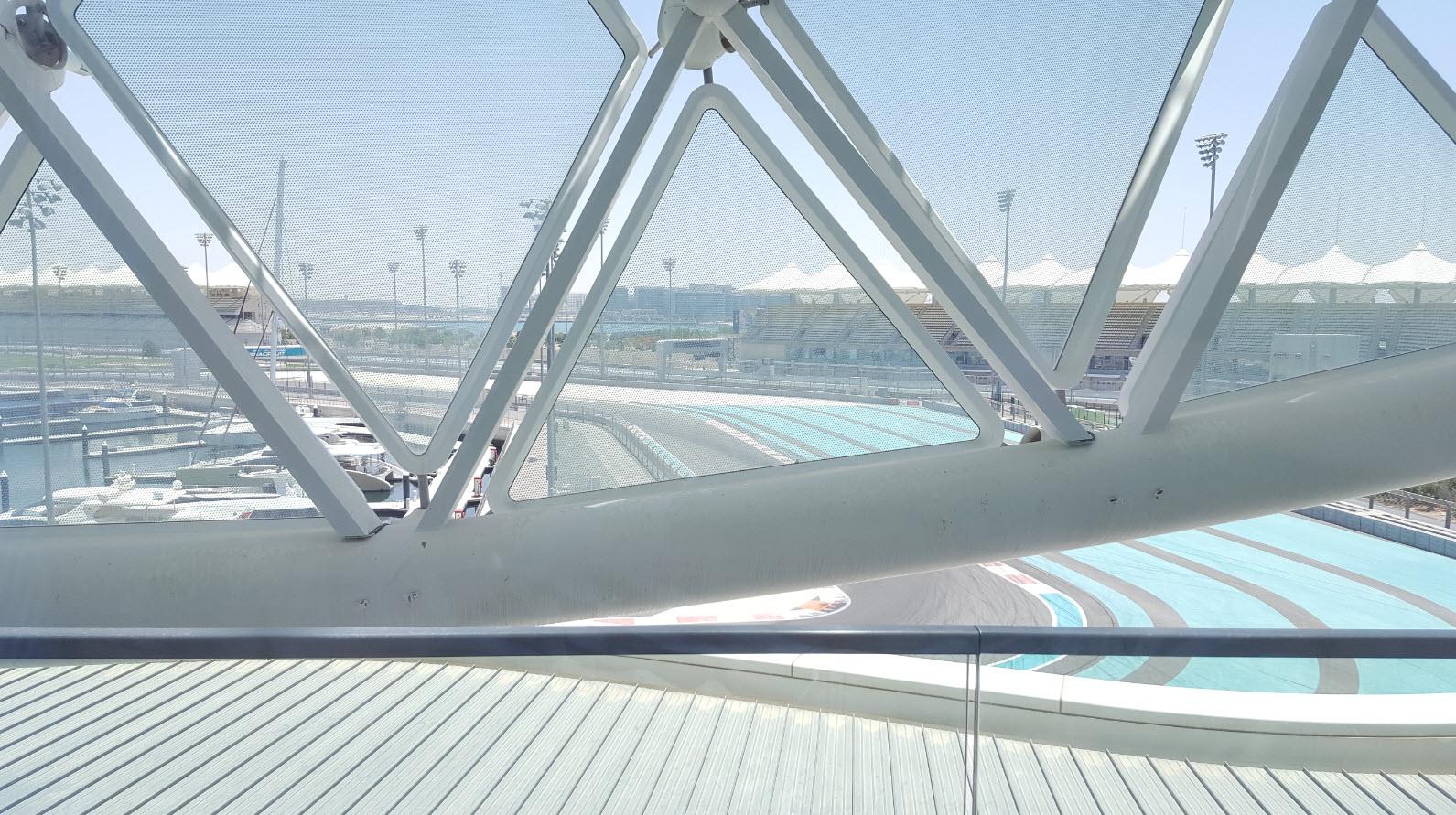 Balcon avec vue sur le circuit de F1