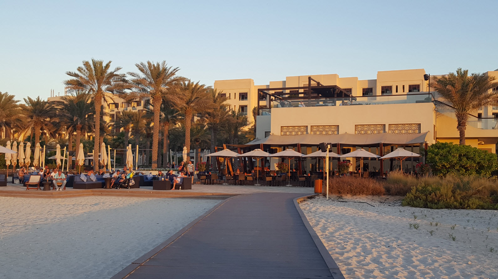 Hotel au coucher du soleil