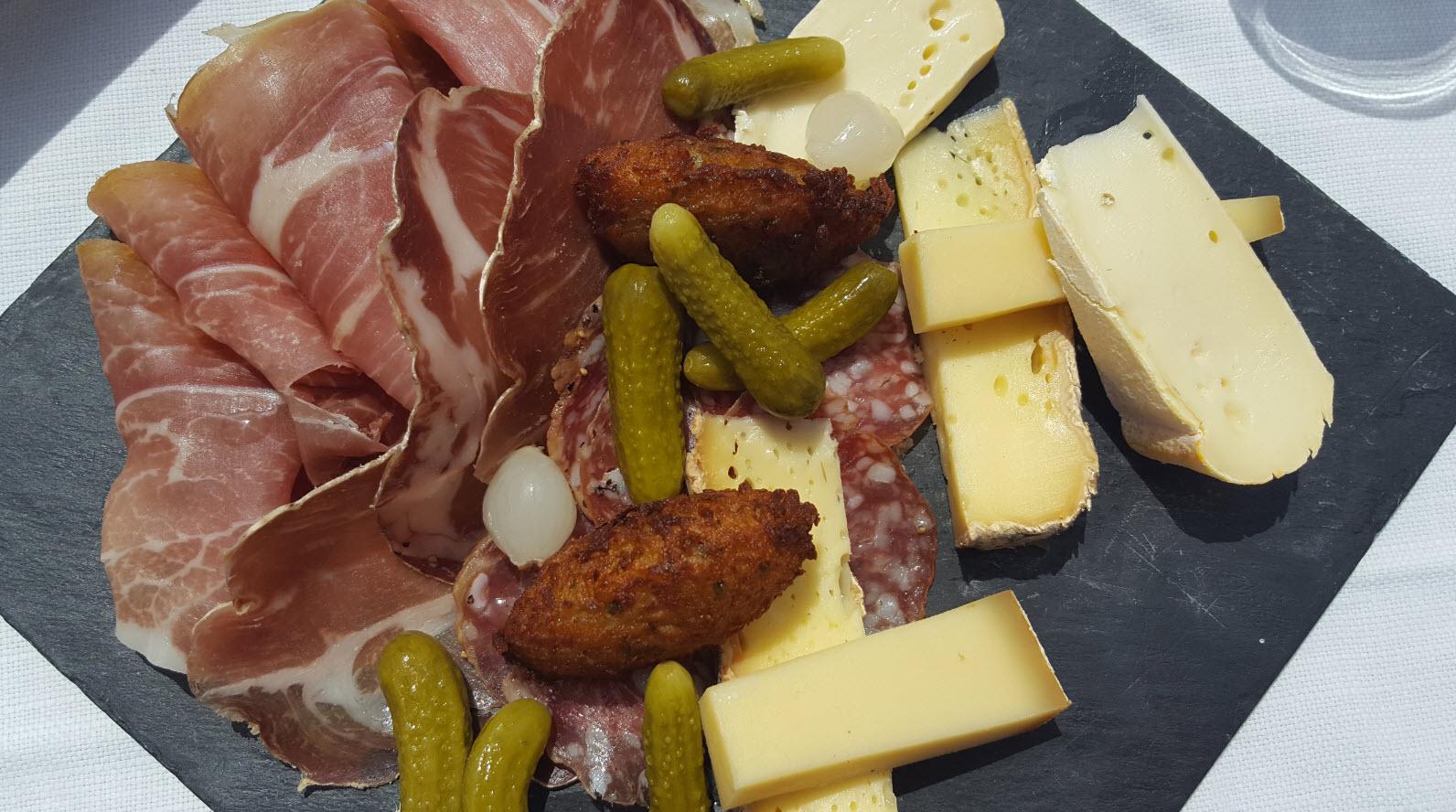 Planche charcuterie et fromage