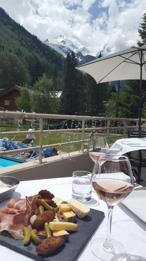 Dejeuner face au Mont-Blanc