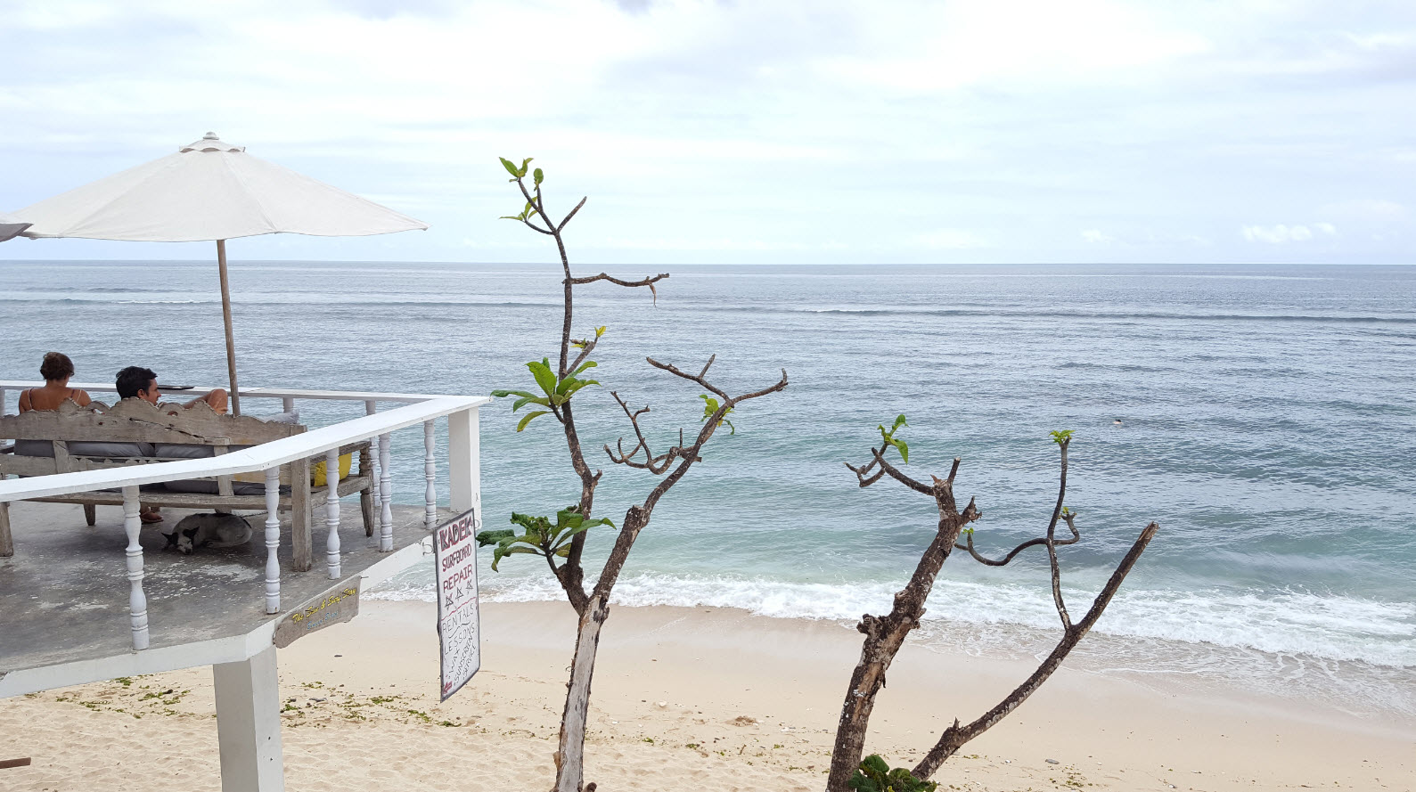 All day restaurant Bingin Beach