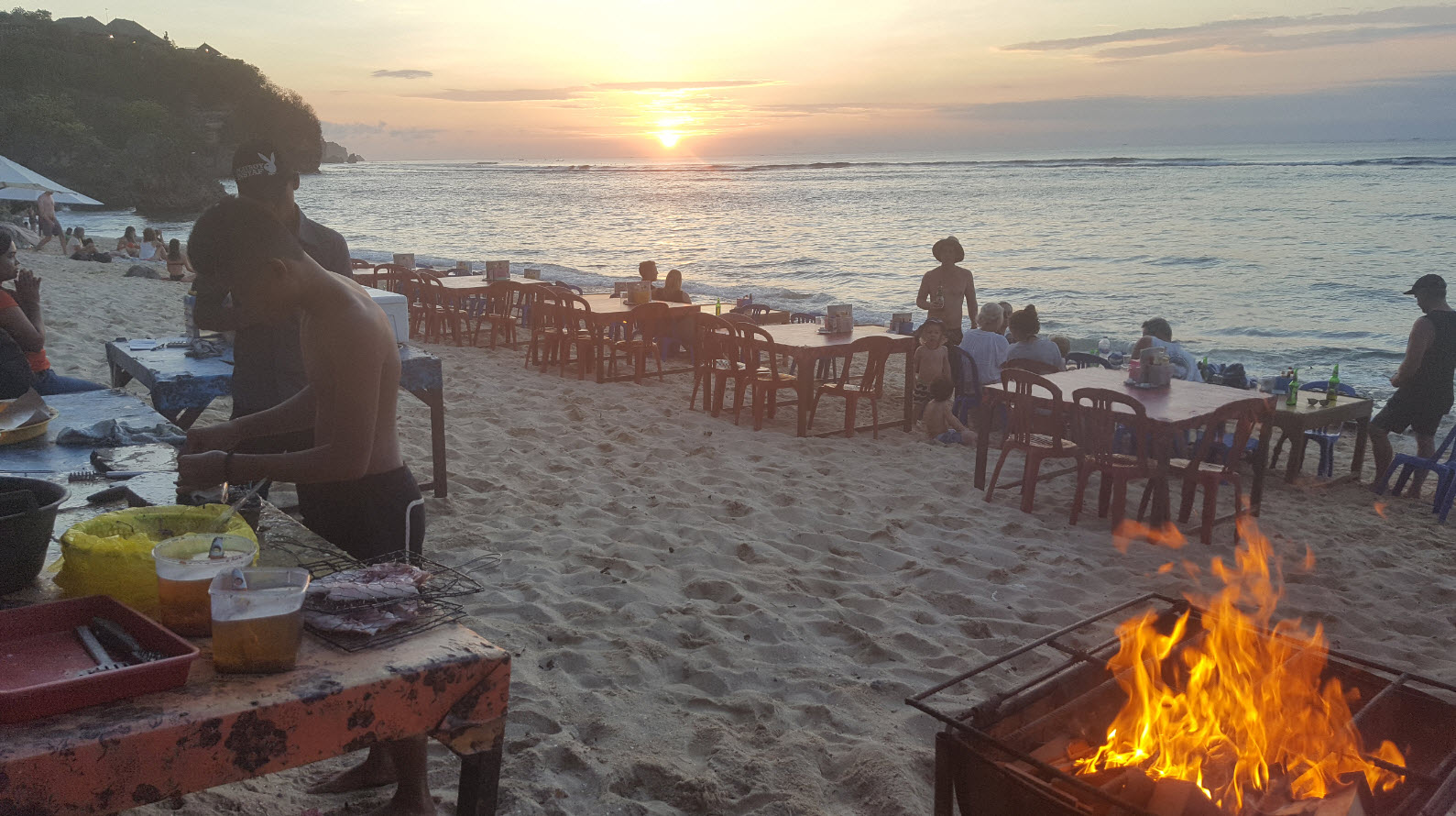 Barbecue plage Bingin Beach Bali