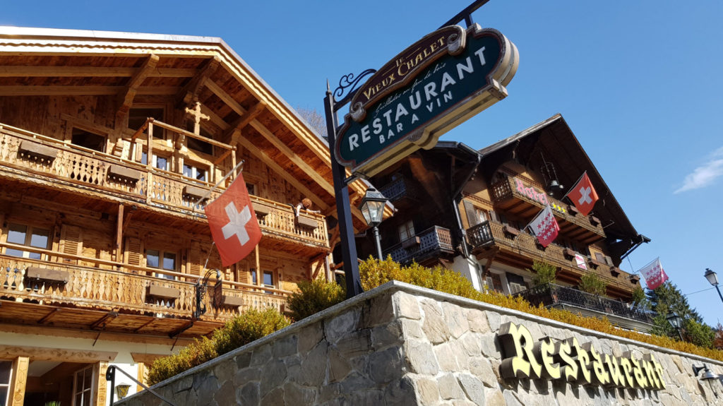 Restaurant face aux Dents du Midi
