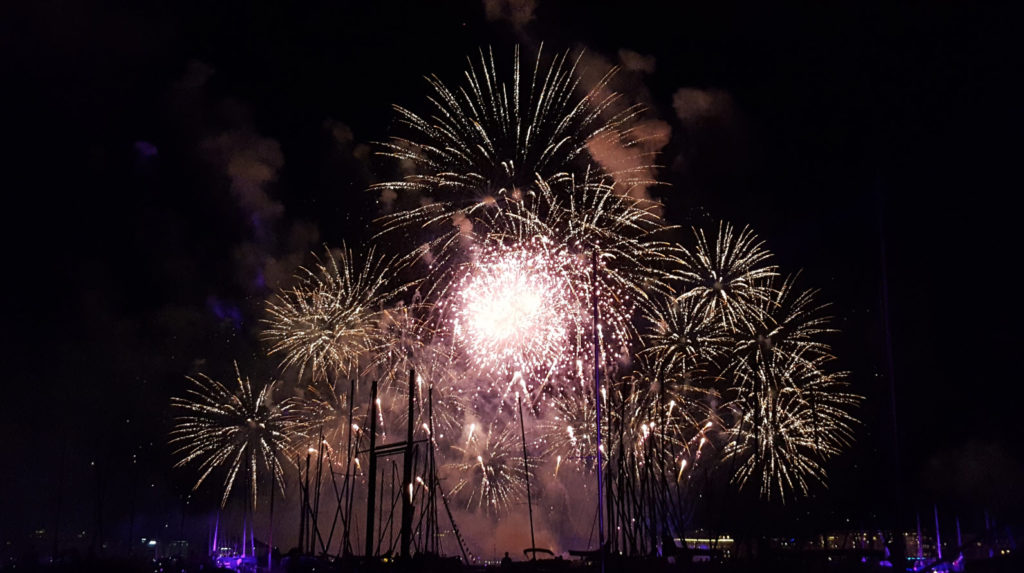 Feux artifices Fetes Lac Leman Suisse