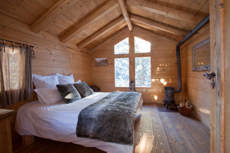 Cabane Ecotagnes avec cheminee