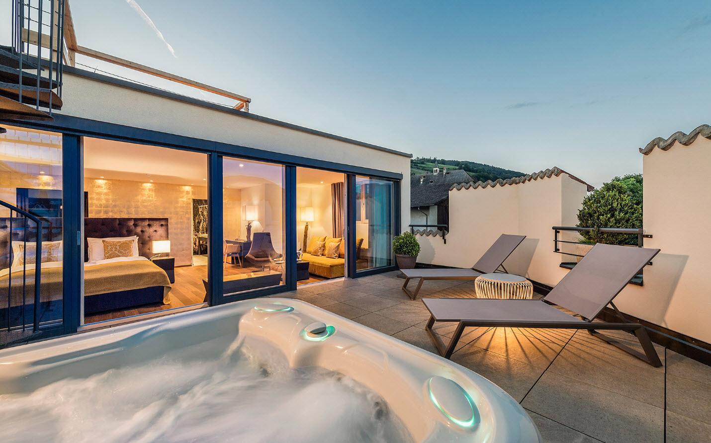 Suite Castanea - Dormir Dolomites - (c) Hannes Niederkofler - Hotel Taubers Unterwirt
