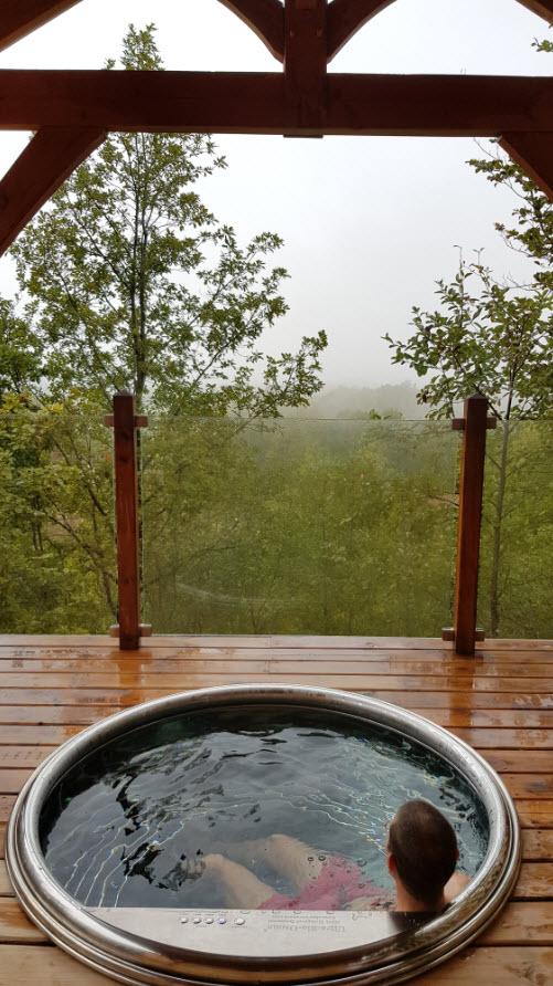 Terrasse avec jacuzzi et vue