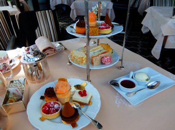 Hotel Angleterre afternoon tea 07
