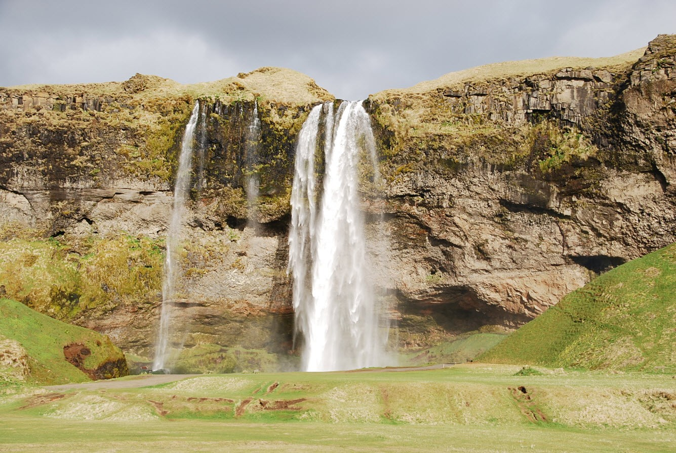 Road trip Islande Seljalandsfoss and Gljufrabui Waterfalls