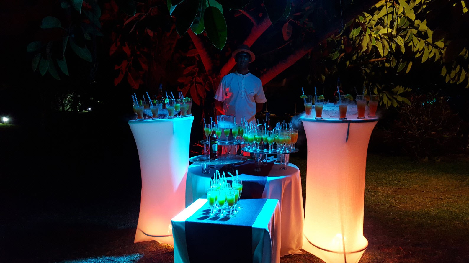Pop-up bar Aperol dans les jardins