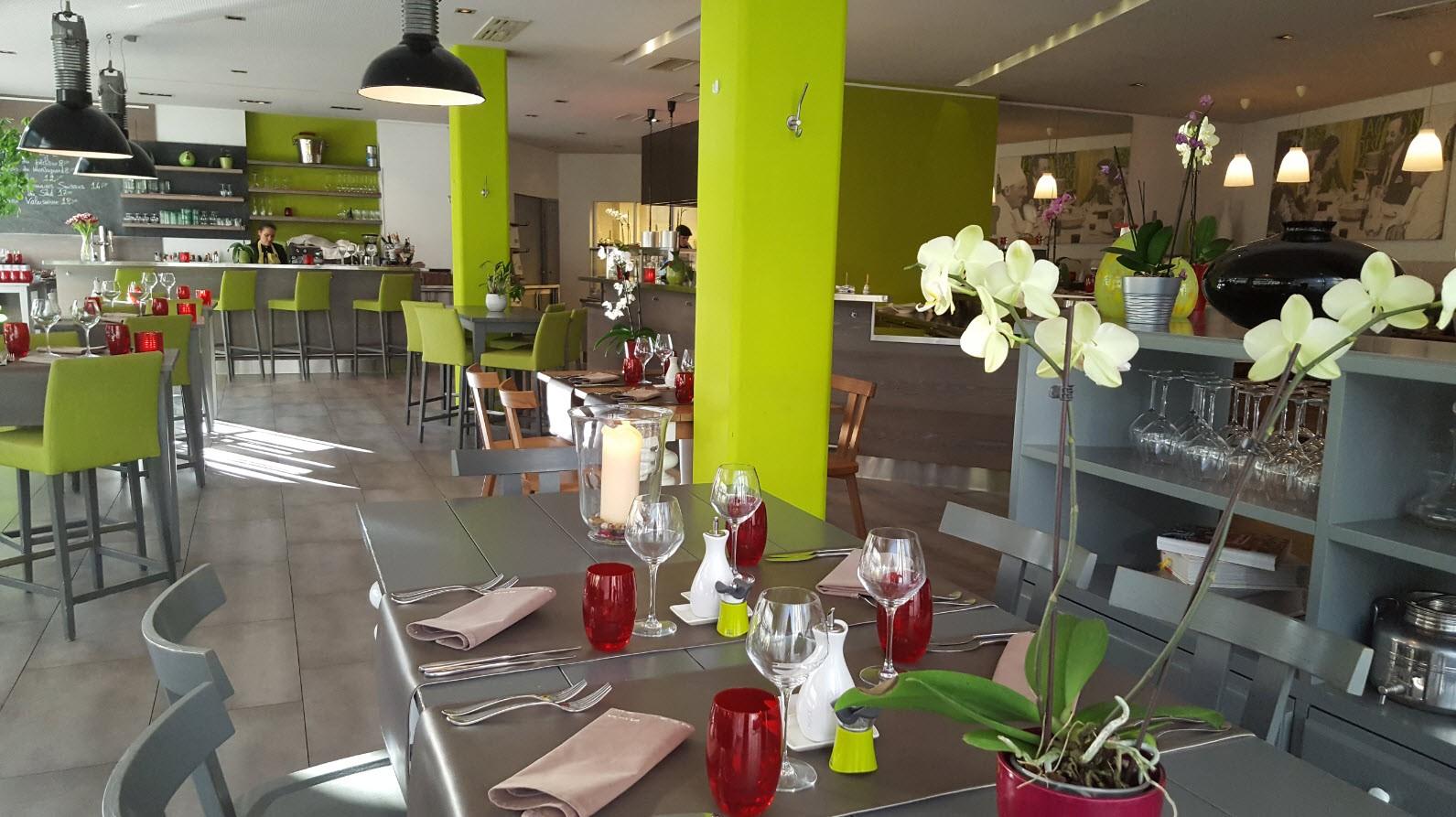 Restaurant la cantine des commer ants gen ve for Ambiance cuisine geneve