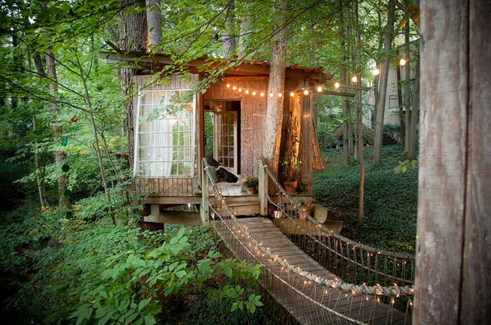 Secluded Intown Treehouse