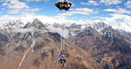 Everest Skydive 01