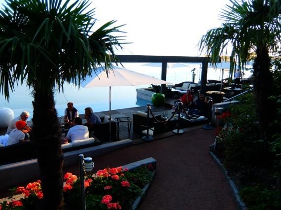 Vitre D Auto >> Le Deck à Chexbres, une terrasse au milieu des vignes ...